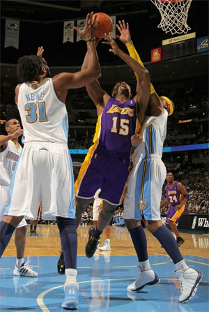 Ron Artest vs. Nuggets - 11.11.10