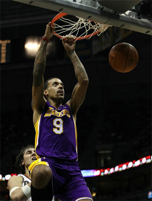 Matt Barnes vs. Bucks - 11.16.10