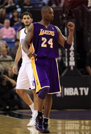 Kobe Bryant vs. Kings - 11.03.10