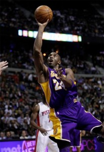 Kobe Bryant scores two of his 33 against Pistons.