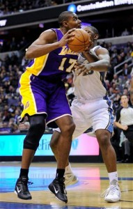 Andrew Bynum back in action against Wizards.