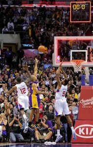 Derek Fisher hits the game-winner against Clippers.
