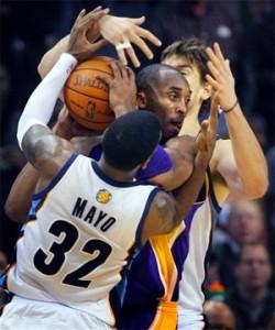 Kobe Bryant bottled up in Memphis.