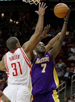 Lamar Odom vs. Rockets - 12.01.10