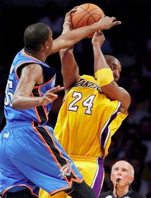 Kobe Bryant vs. Thunder - 01.17.11